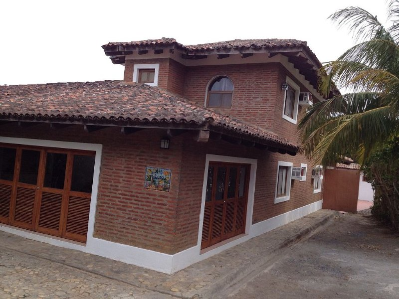 Large Family Vacation Retreat in San Juan Del Sur, holiday rental in Playa Maderas