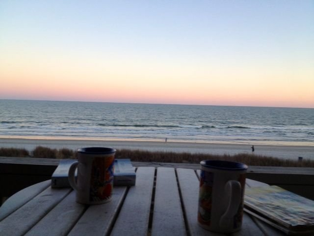 Beautiful Direct Oceanfront Spacious Condo With Fantastic View!!!!, vacation rental in North Myrtle Beach