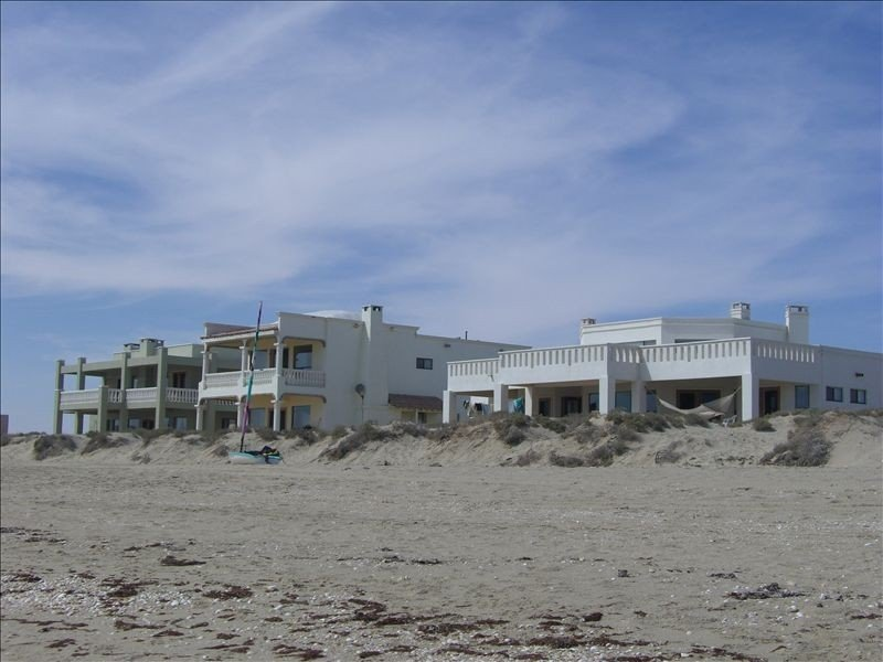 Enjoy Priceless Oceanfront in a Fabulous Beach Home 4bds 4bths, holiday rental in Chihuahua