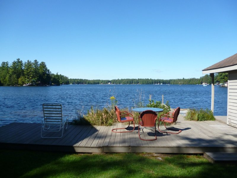 Adirondack Beauty!   110 ft Lake Frontage House - Private Beach; Kayaks, Canoe – semesterbostad i Woodgate