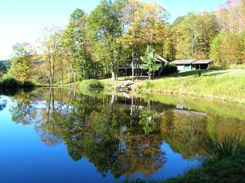 Private Mountain Retreat With Beautiful Pond, location de vacances à Potter County