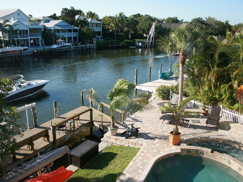 Large Private Home On Water With Pool/Spa On #1Beach In Us! - Siesta Key, holiday rental in Sarasota