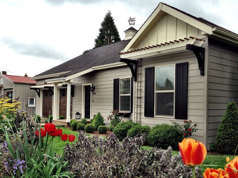 Grant Street - A Carlton Wine Country Home, holiday rental in Yamhill