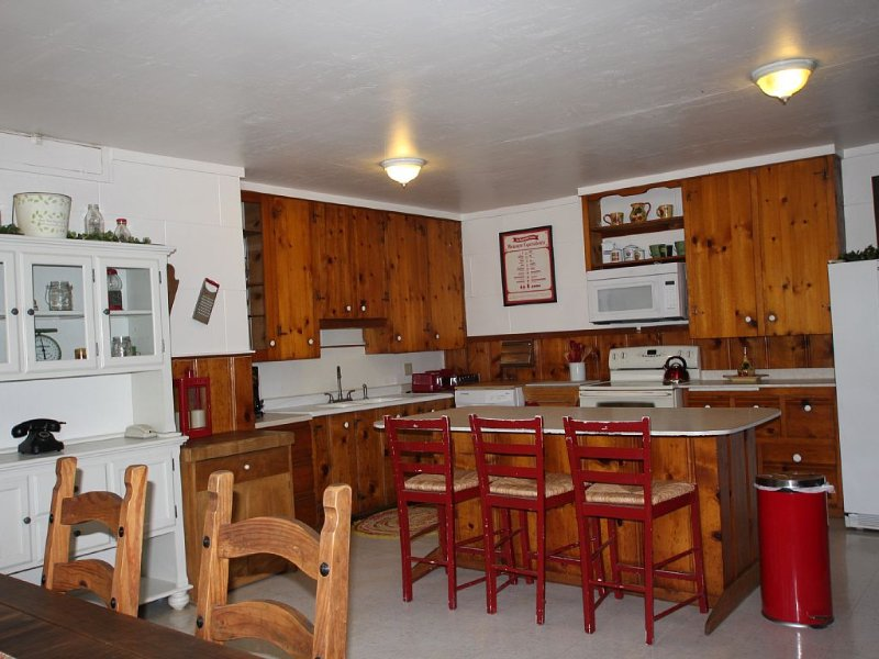 Midpines Hwy 140 House on your way to Yosemite, vacation rental in Midpines