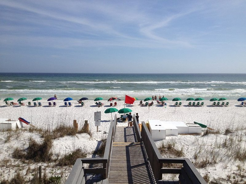 5 Bedroom/3 Bath Emerald Coast Beach Cottage, location de vacances à Destin