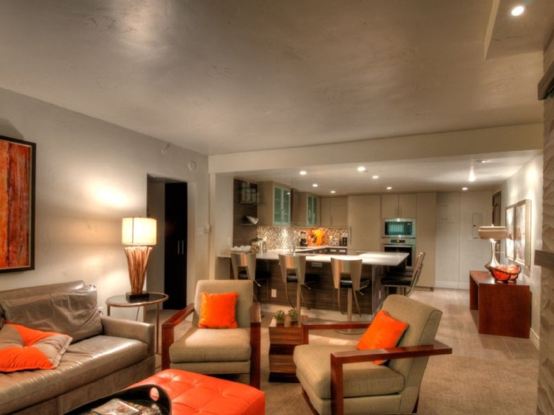 2b/2b Luxury Condo in Vail Village with Incredible Views!, holiday rental in Vail