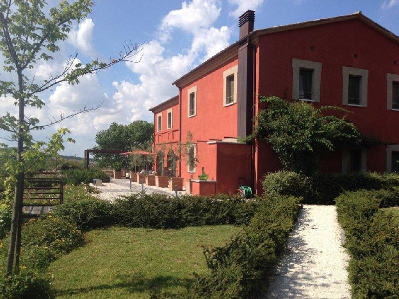 Umbria - Luxury Country House 6 Bedrooms w Ensuite Bathrooms, alquiler vacacional en Quadro
