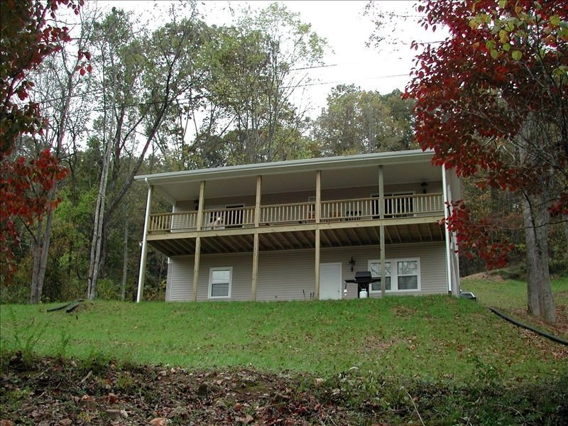 Watts Bar Lake Front with Dock, holiday rental in Rockwood