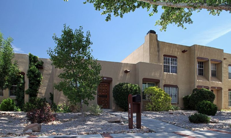 Quiet And Comfort in the Cultural Center, holiday rental in Albuquerque
