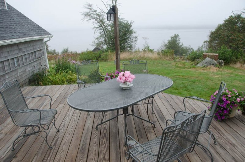 Spacious Captain's House On Machias Bay, alquiler de vacaciones en East Machias