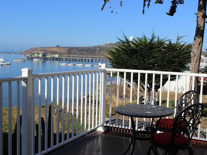 The Captain's Quarters, holiday rental in Moss Beach