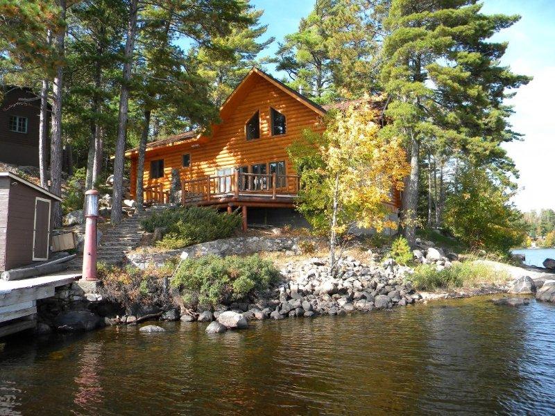 Luxurious Wilderness New Log Home Borders Bwca, National Park, holiday rental in Crane Lake