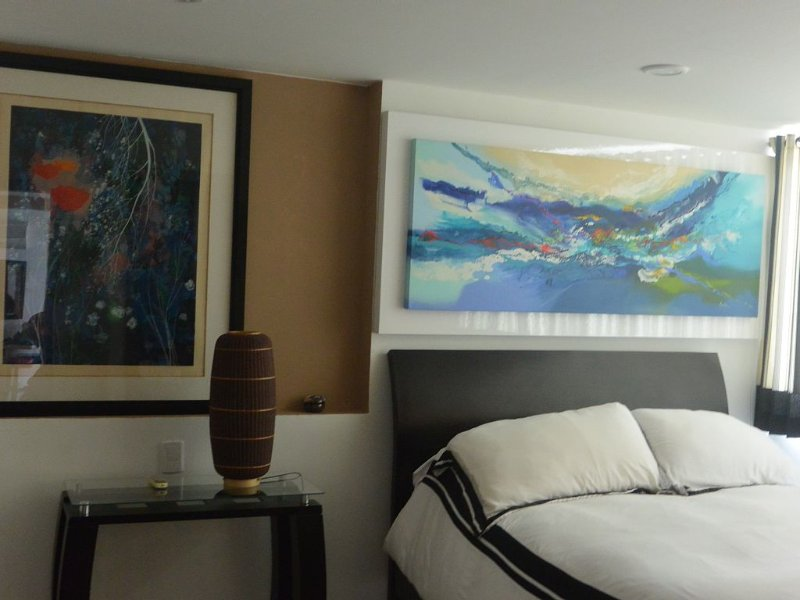 LUX OCEANFRONT 2 BDR/BEACHFRONT  American Owner - Great Rates, vacation rental in Cartagena