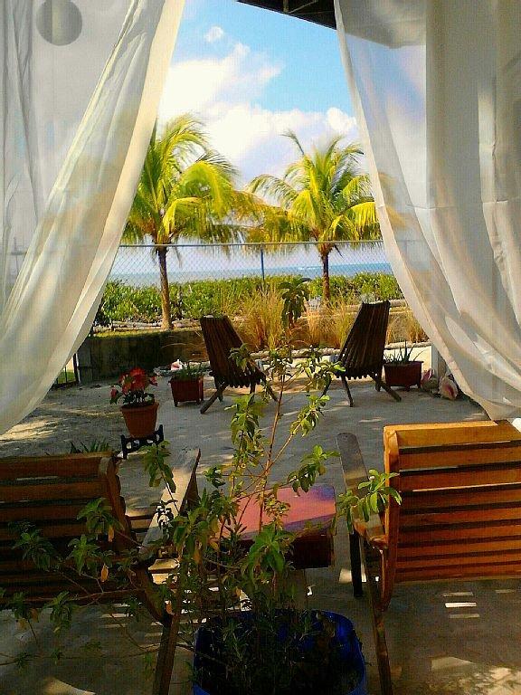Beautiful Seaside Outdoor Patio!