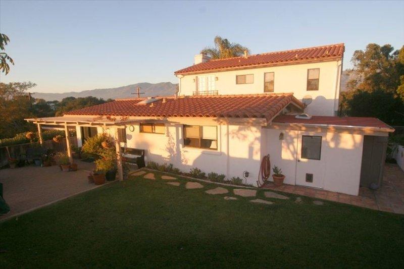 Grand Mediterranean w/Ocean and Mountain Views, holiday rental in Goleta