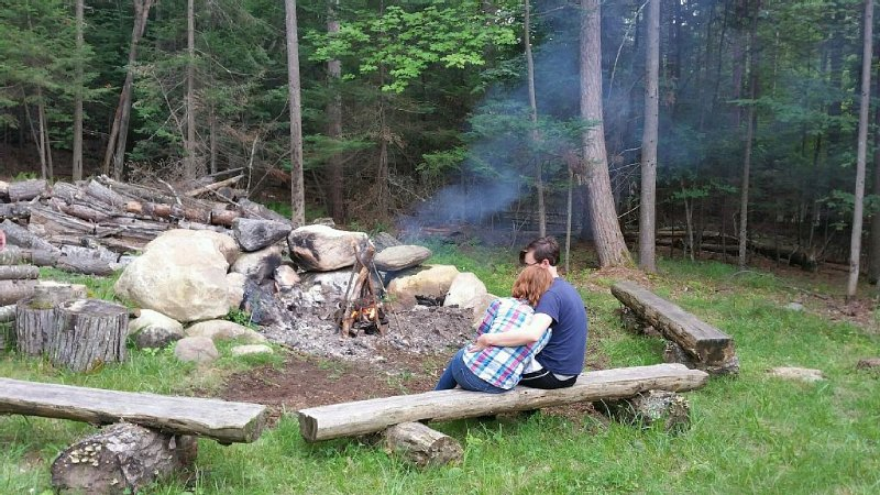 Private hiking trail. Enjoy the ADK splendor. Pet Friendly. Ranch Home. WiFi, holiday rental in Wilmington