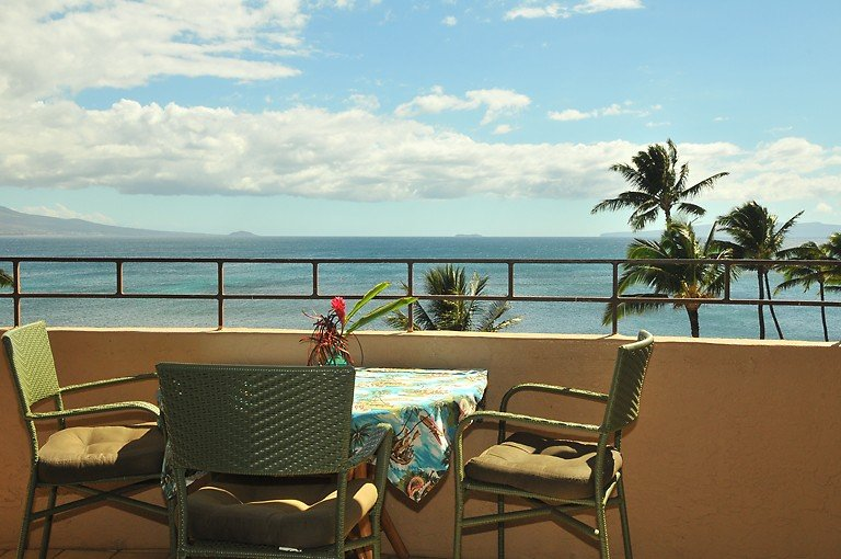 A Slice of Paradise in Oceanfront Condo (Island Sands), holiday rental in Maalaea