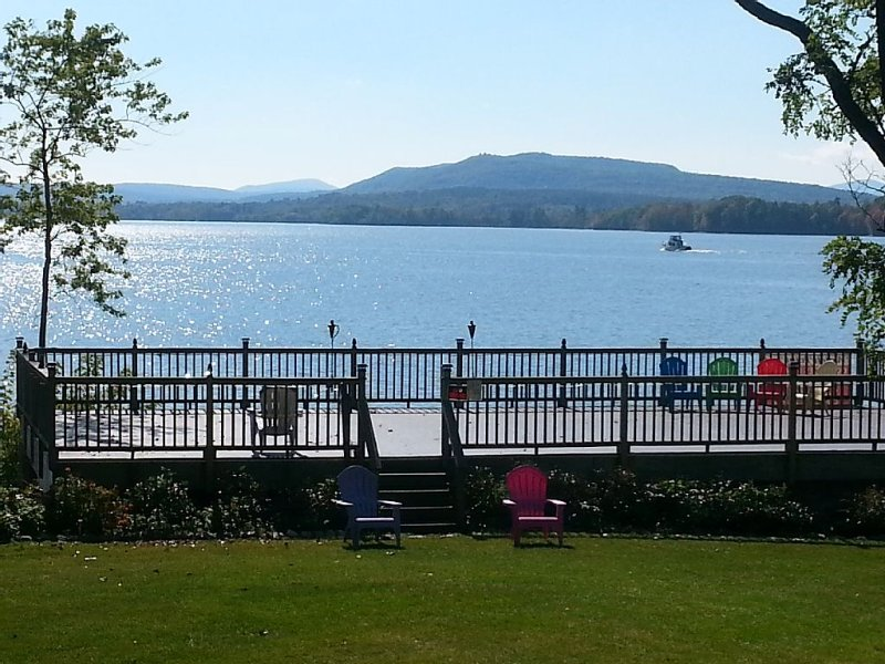 VT VACATION PARADISE - Lake Champlain Perfect 4 LG GROUPS/ 3 cottages Available!, holiday rental in Orwell