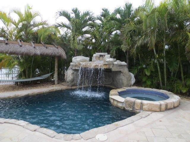 Waterfront Pool home with Quick Access to Gulf, holiday rental in Marathon