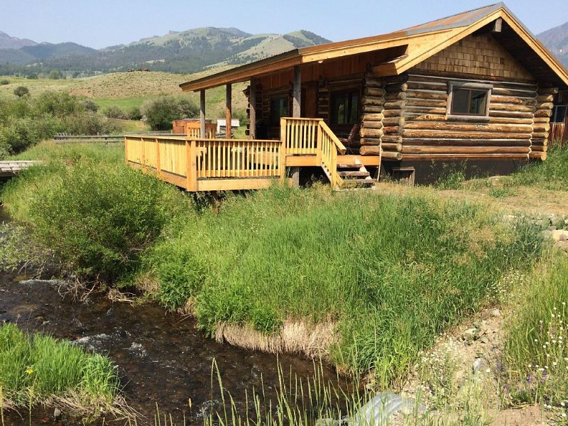Yellowstone Park - Cabin On Private Creek, Other Lodging, Close To Activities, location de vacances à Gardiner