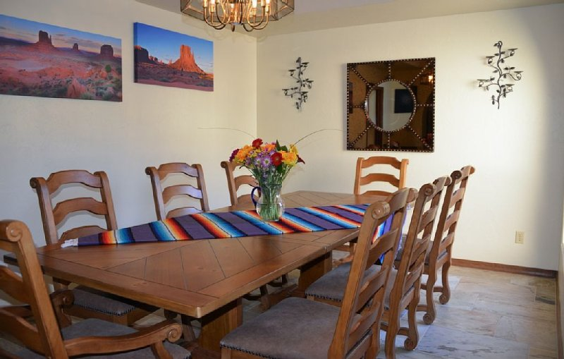 Panoramic Views, A Great Location, Gated Community, Relax near Golf & Shopping, holiday rental in Tucson