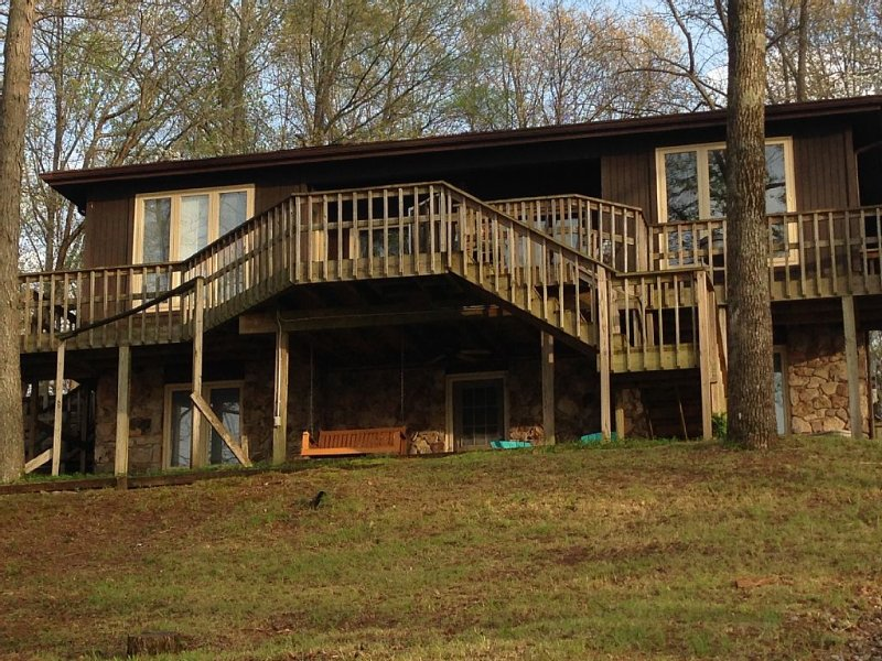SCENIC TIM'S FORD LAKE GETAWAY, location de vacances à Tullahoma
