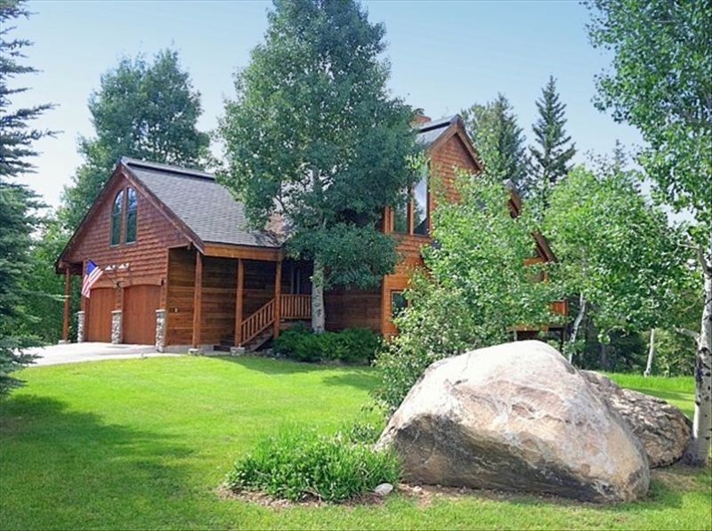 20% off April - Spacious Home w/ Private HotTub - Mountain/Golf Course View, location de vacances à Steamboat Springs