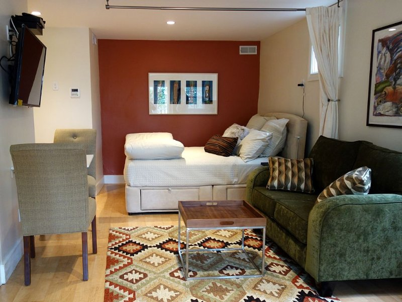 Gorgeous, Brand New, Fully Equipped Studio In Nor, alquiler de vacaciones en Albany