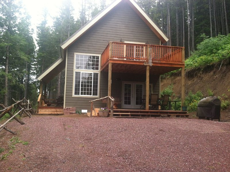 See The Wilderness At Your Backdoor,  Just Outside Glacier National Park, holiday rental in Browning