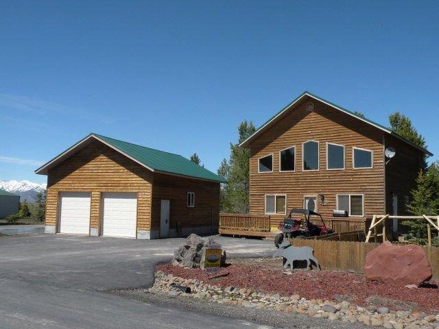 REDUCED RATES!!! 22 Miles to Yellowstone ~ Air Condition ~ Wifi ~ Large Deck, aluguéis de temporada em Island Park