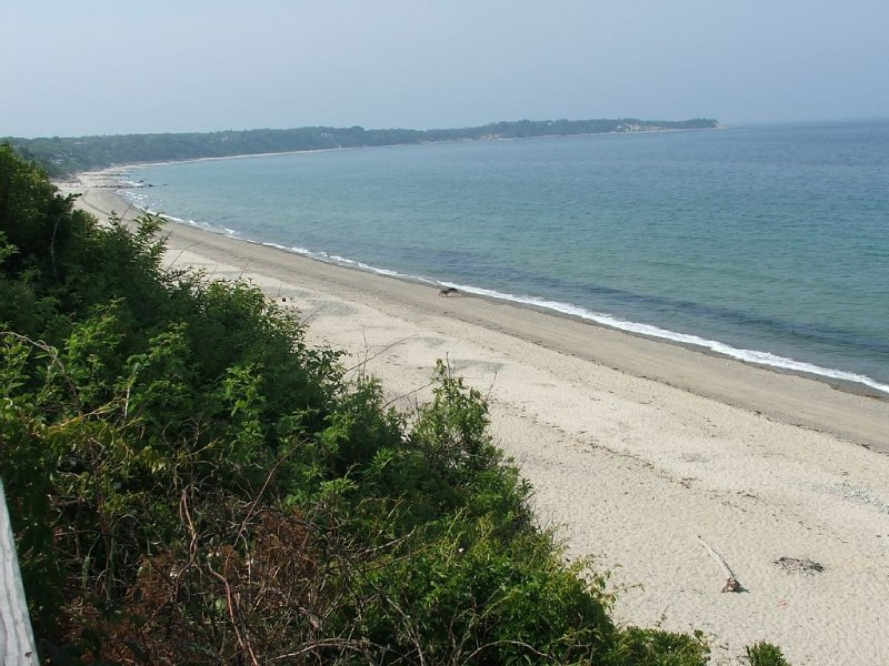 Hi atop Bluffs on private Beach, Breathtaking views of Cape Cod Bay/PTown, vacation rental in Manomet