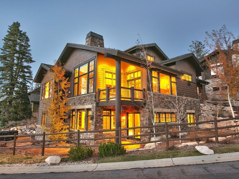 GREAT GETAWAY - PRICE THAT CAN'T BE BEAT!, holiday rental in Park City