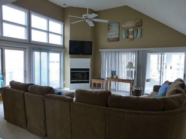 Spacious Vacation Villa, holiday rental in Ocean View