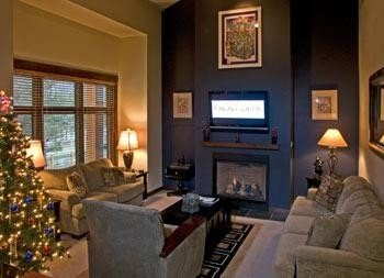Solstice 15 Modern, Luxurious, Peaceful & Convenient Ski & Golf Condo, vacation rental in Mammoth Lakes