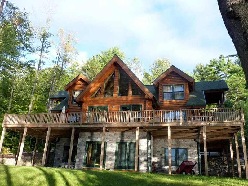 The Great Sacandaga Lake House, holiday rental in Northville