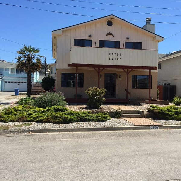 Otter house beach home, vacation rental in Morro Bay