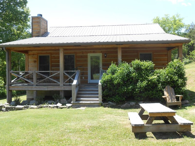 Betty's Island Cabin (Caney Fork River) Trout Fishing, alquiler vacacional en Gainesboro