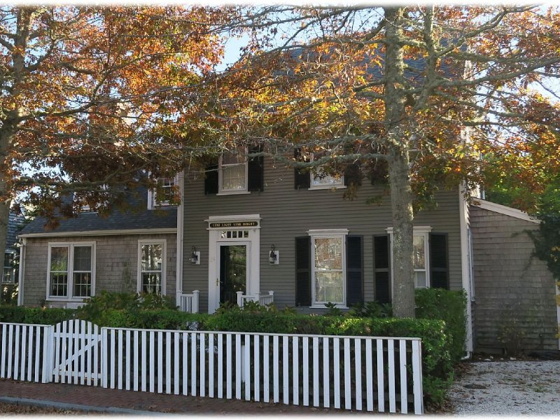 A Shining Star On Nantucket with Tennis Courts and a Pool!, vacation rental in Siasconset