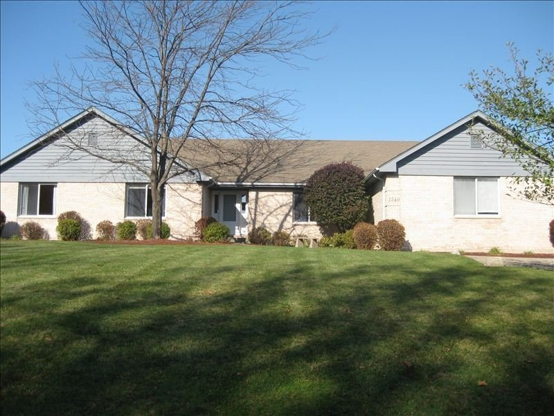 Huge Golf Course Vacation Getaway ~ Spacious, Clean And Conveniently Located!, holiday rental in Lake Geneva