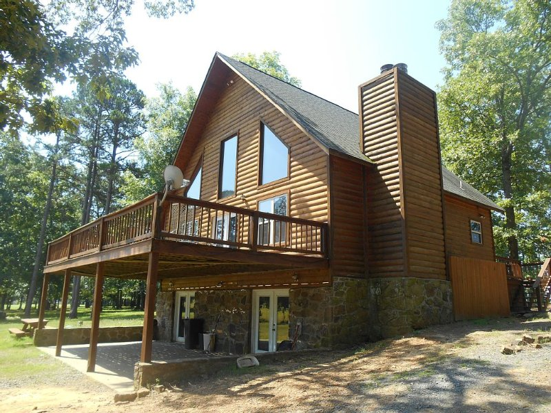 Joe's Golf / Lake Getaway Cabin on Tannenbaum Golf Course and Greers Ferry Lake, casa vacanza a Tumbling Shoals