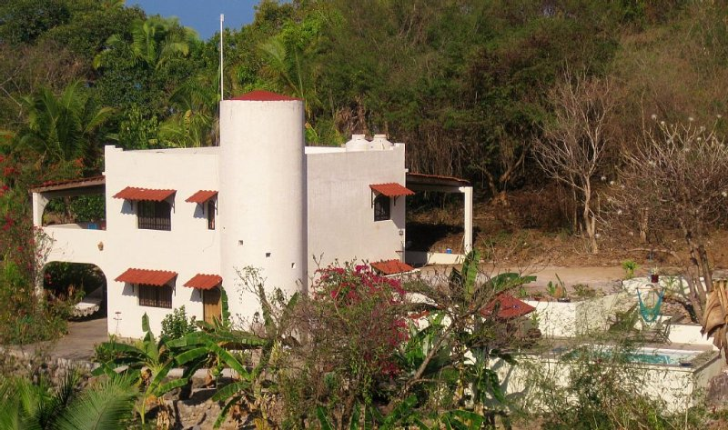 Beautiful ocean & mountain view,  private pool,  short walk to town and beach!!, holiday rental in Platanitos