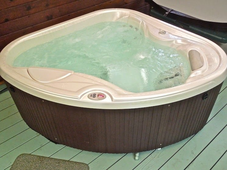 AS SEEN ON HGTV-Unforgettable & Romantic- Hale Sweet Hale with New Hot Tub, vacation rental in Volcano