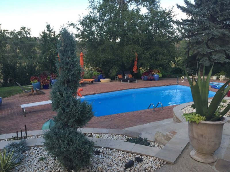 Mediterranean Style Oasis In N Boulder Open Space, holiday rental in Boulder