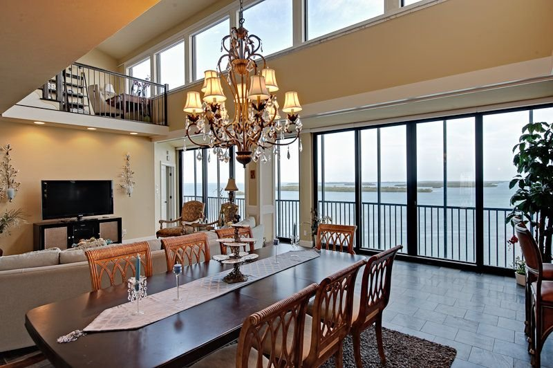 Beachfront Penthouse in Sanibel Harbor Resort & Spa, vacation rental in Sanibel Island