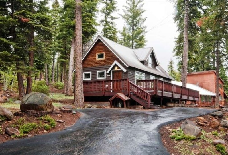 Vintage Tahoe ~ the Cabin Making Memories Since 1957, location de vacances à Lake Tahoe