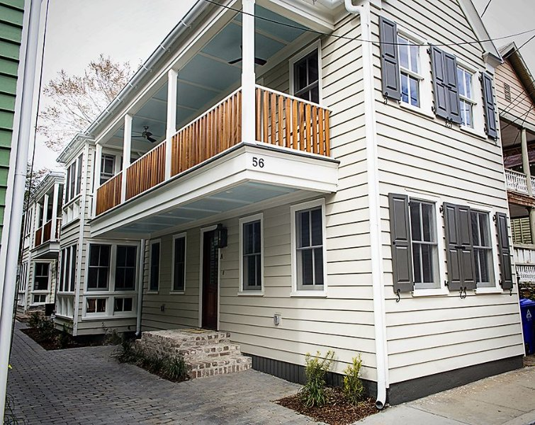 Brand New Downtown 2 Bedroom Apartment- One Block From Upper King St., vacation rental in Charleston