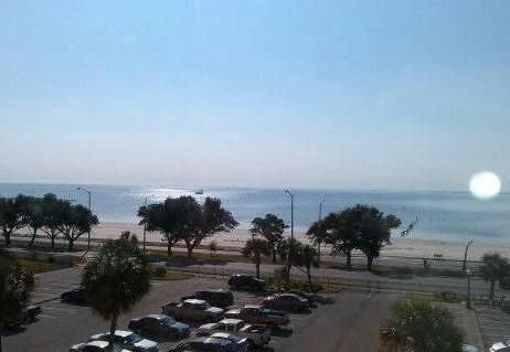 Amazing Beachview Close to Downtown Entertainment, vacation rental in Biloxi