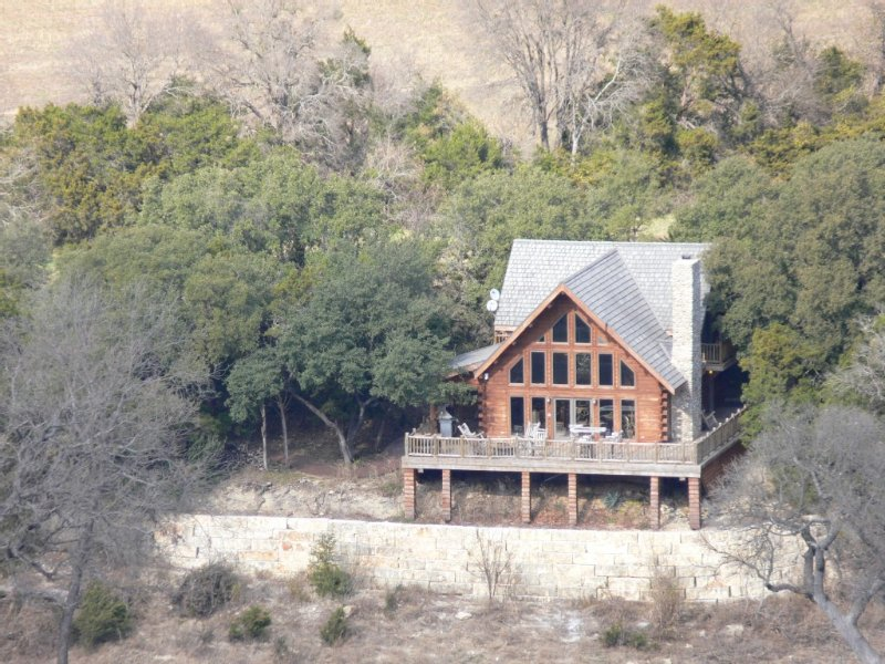 African Wildlife Park, Log Cabin,  Lodges, Wedding Venue, and Western Town., casa vacanza a Clifton