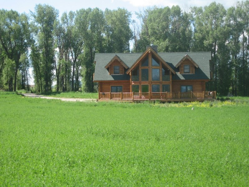 3 Bedroom Luxury Log Cabin in the Rocky Mountains, casa vacanza a Afton