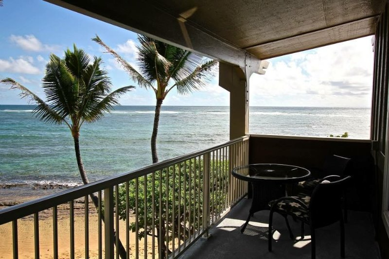 Only thing between you and the ocean is the Beach!  Top Floor, unobstructed view, vacation rental in Kapaa